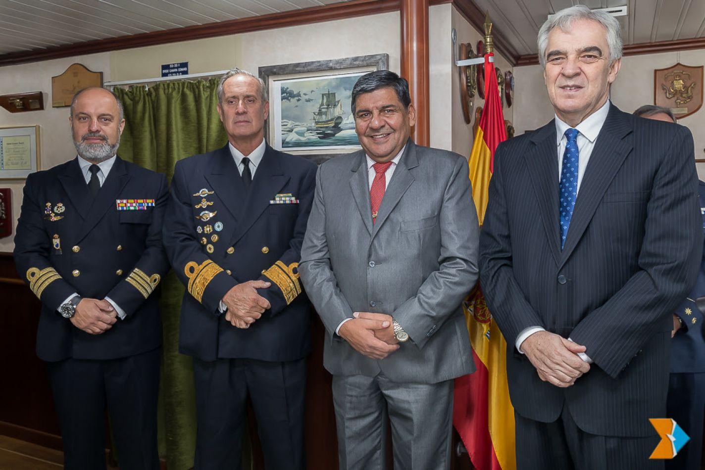 El vicegobernador Juan Carlos Arcando asistió al acto que se llevó adelante en instalaciones del buque de investigación oceanográfico.