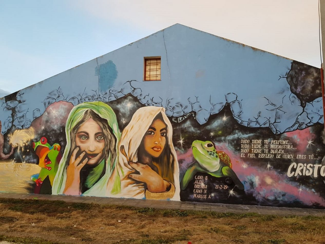 El mural que pintó el joven artista Marcos Aldavez, en calle Perú y La Pampa.