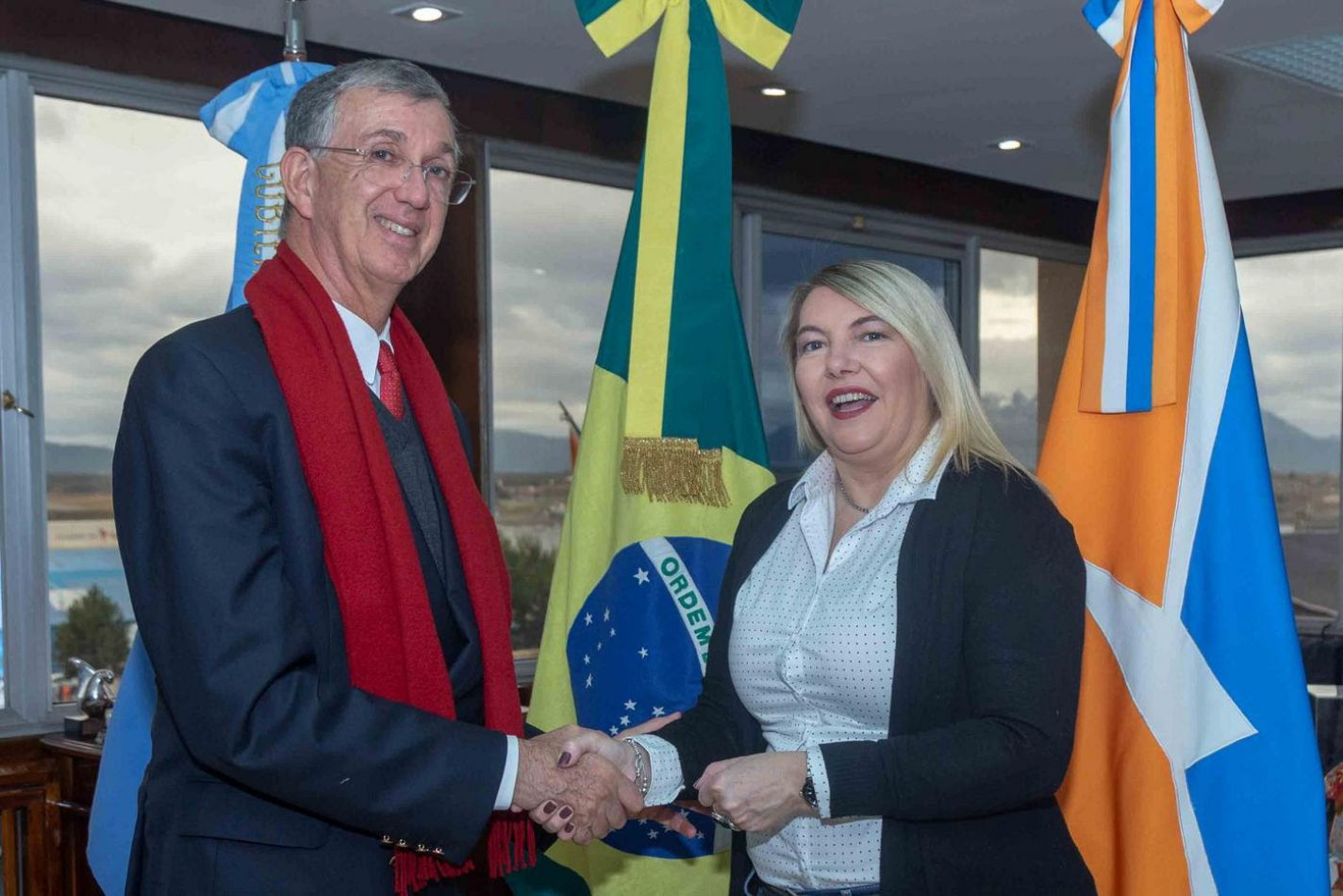 La gobernadora Rosana Bertone recibió –este martes- al embajador de Brasil en la Argentina, Sergio França Danese,