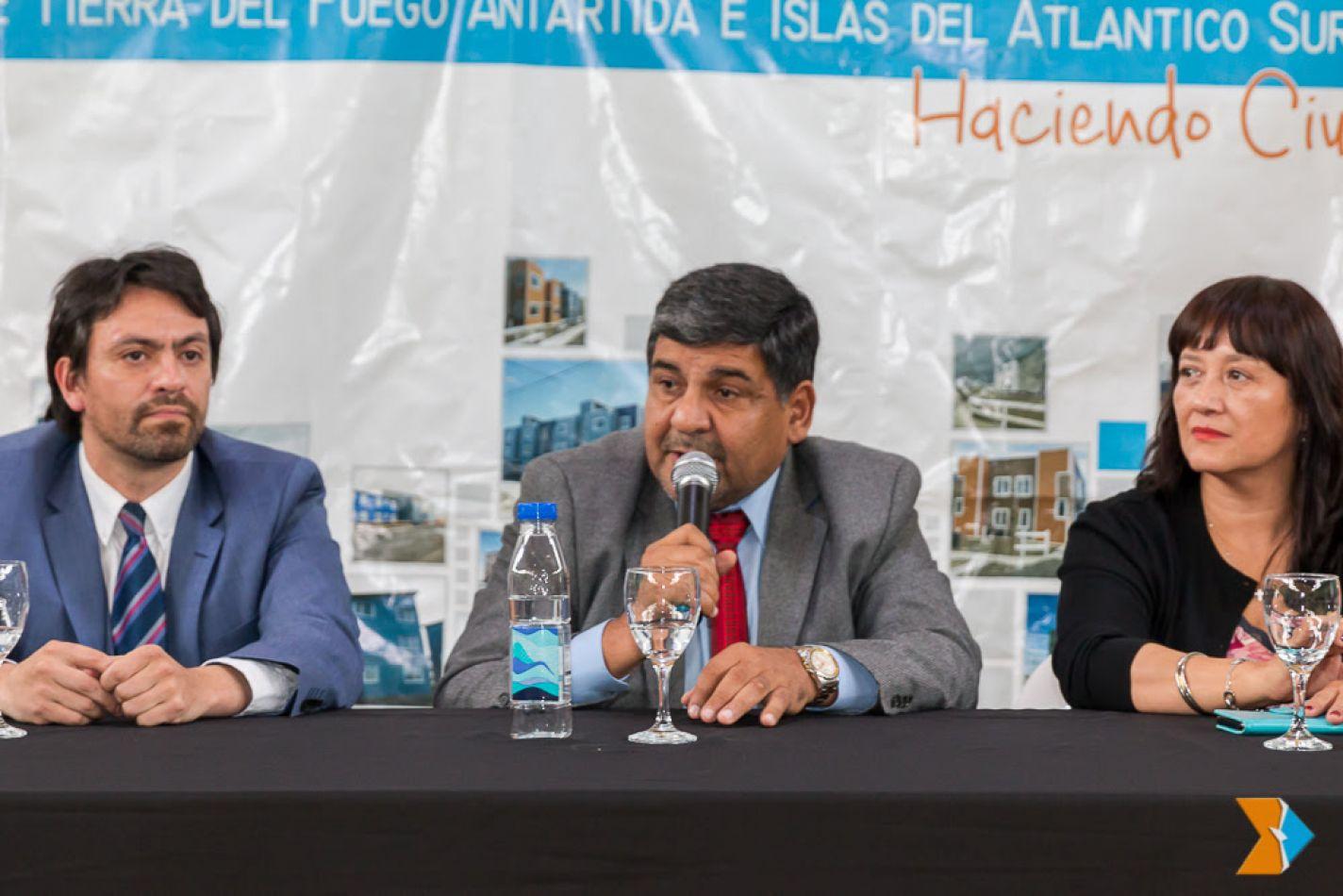 Arcando recordó el trabajo encarado por la gestión para sanear el barrio Colombo en Ushuaia