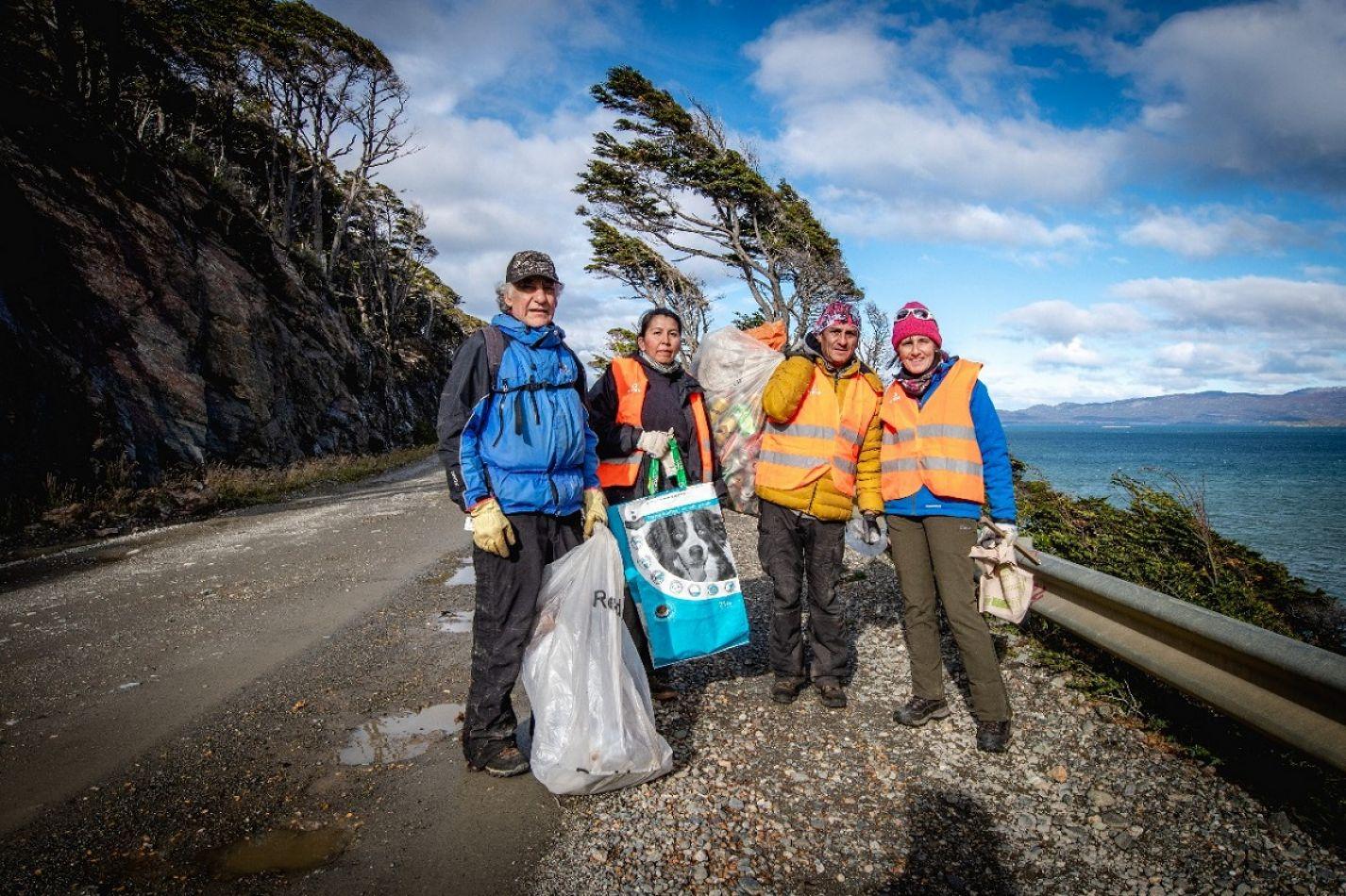 La Municipalidad de Ushuaia participó de la campaña de limpieza del canal Beagle