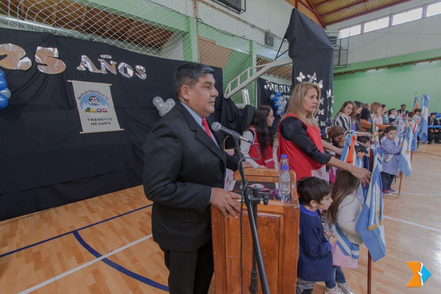 """Presidente del Parlamento, vicegobernador Juan Carlos Arcando, acompañó a la comunidad educativa del jardín de infantes N° 15 """"Trencito nevado"""""""