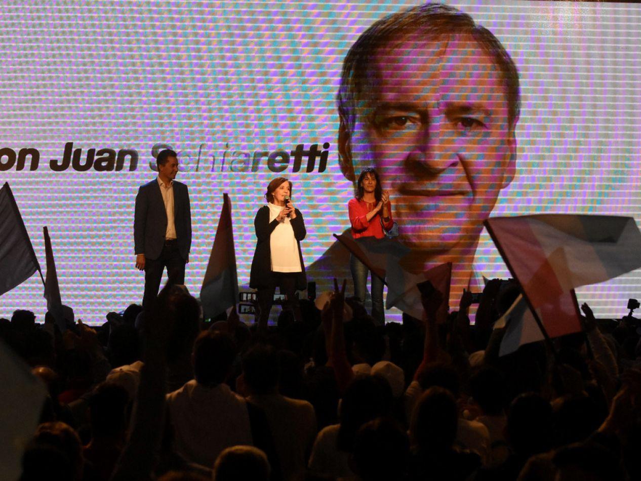 El peronismo cordobés informó en la noche de este domingo que Juan Schiaretti fue reelecto gobernador