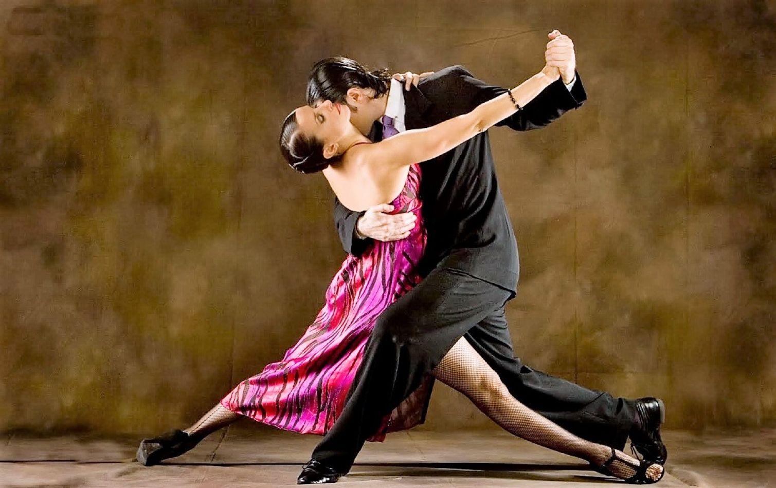 Bailarines fueguinos participarán en Bariloche del Preliminar del Mundial de Tango 2019.