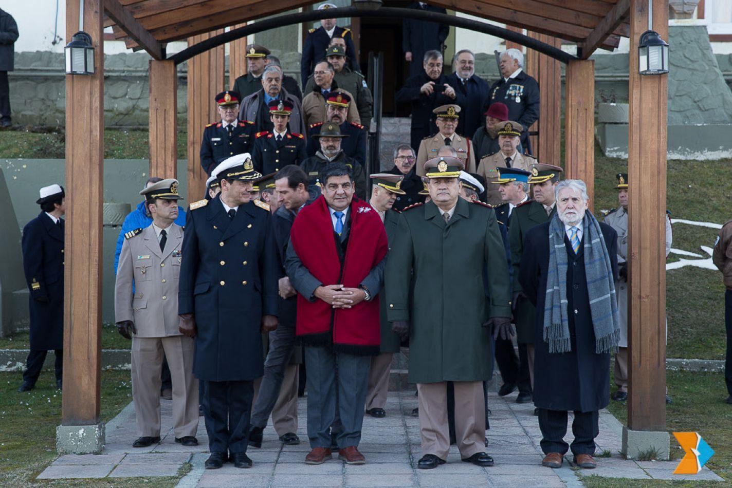 """El titular del Parlamento, vicegobernador Juan Carlos Arcando, participó del homenaje """"a los hombres que formaron parte del escuadrón Alacrán."""