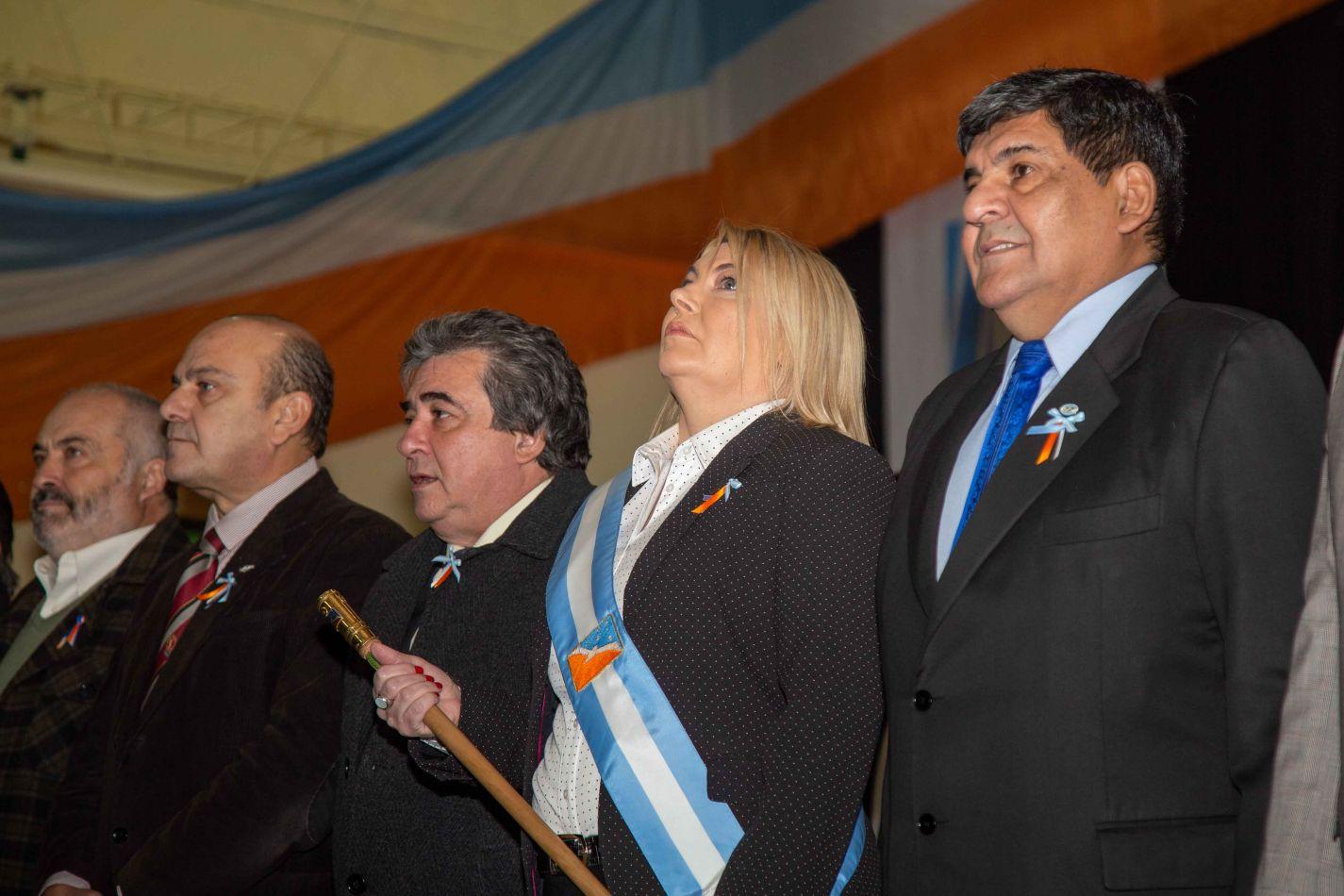 La gobernadora encabezó el acto por el  28° aniversario de la jura de la Constitución Provincial