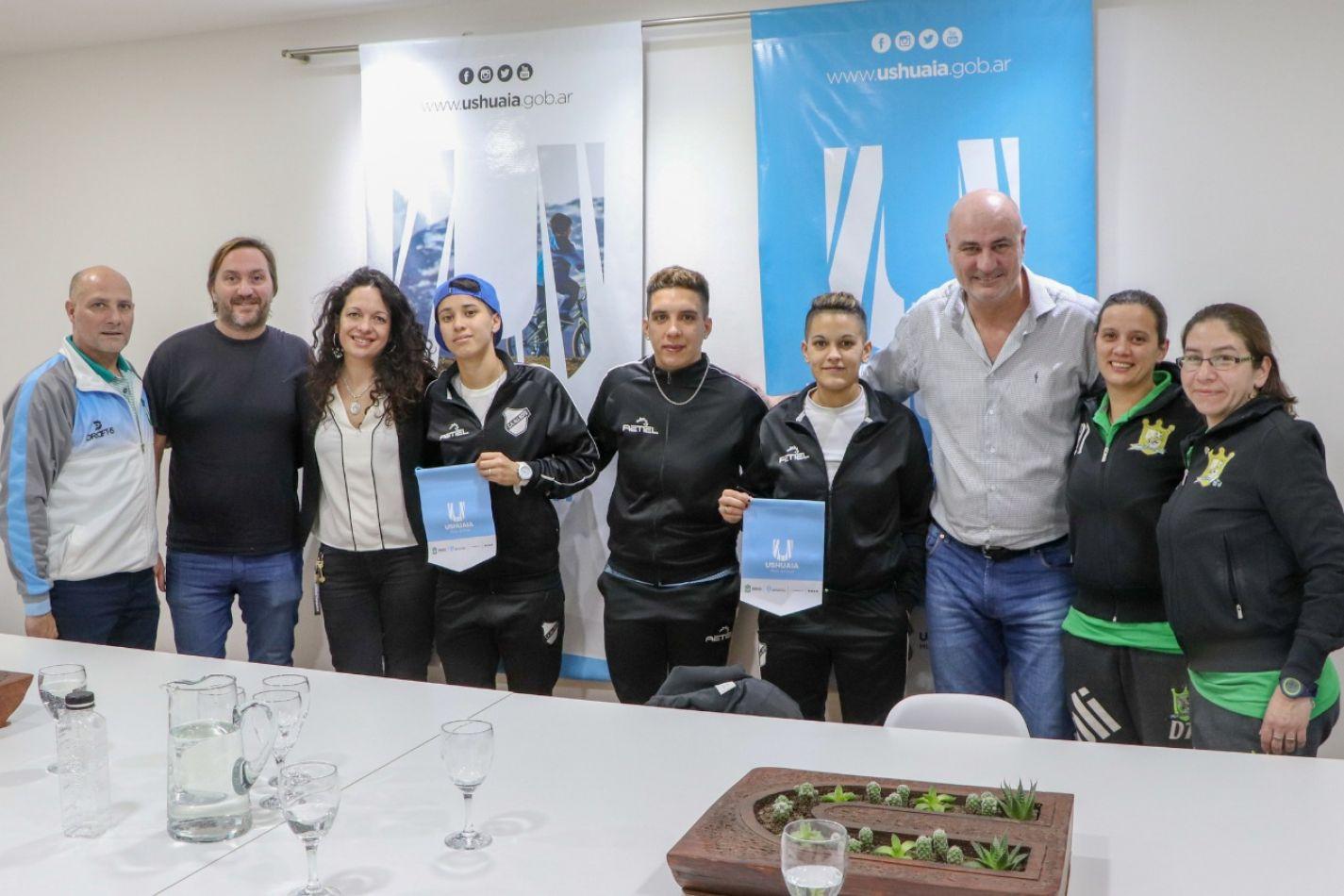 Comenzó la clínica de Futsal femenino en el marco de la Noche más Larga
