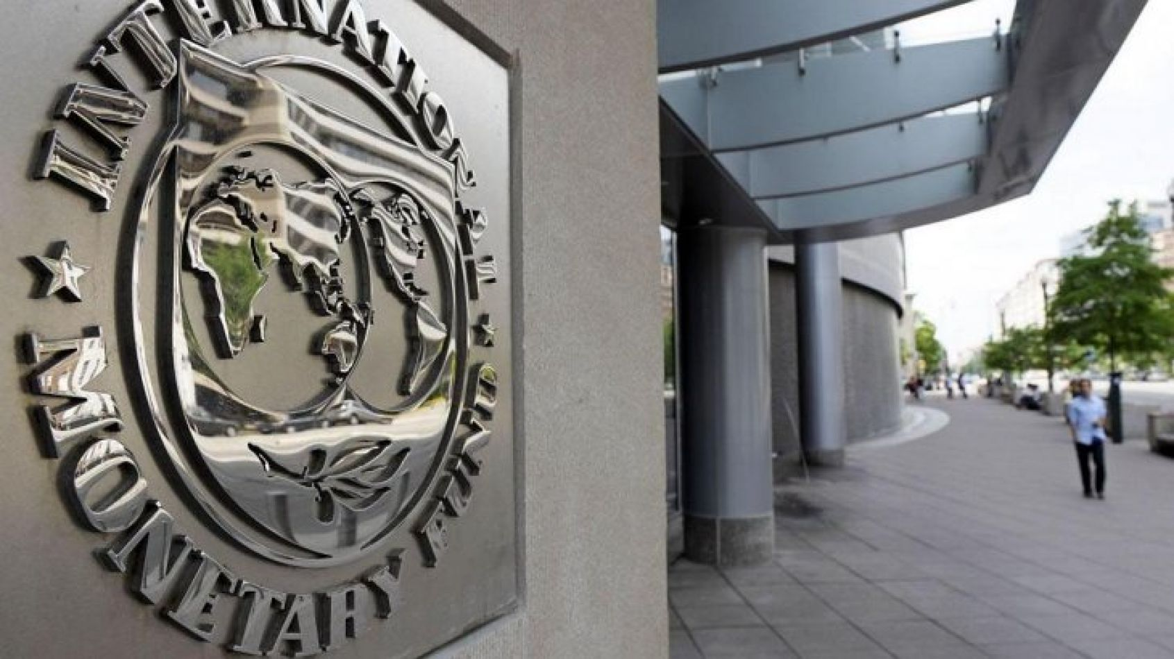 Lagarde admitió que fueron demasiado optimistas sobre los pronósticos de contener el alza de precios.