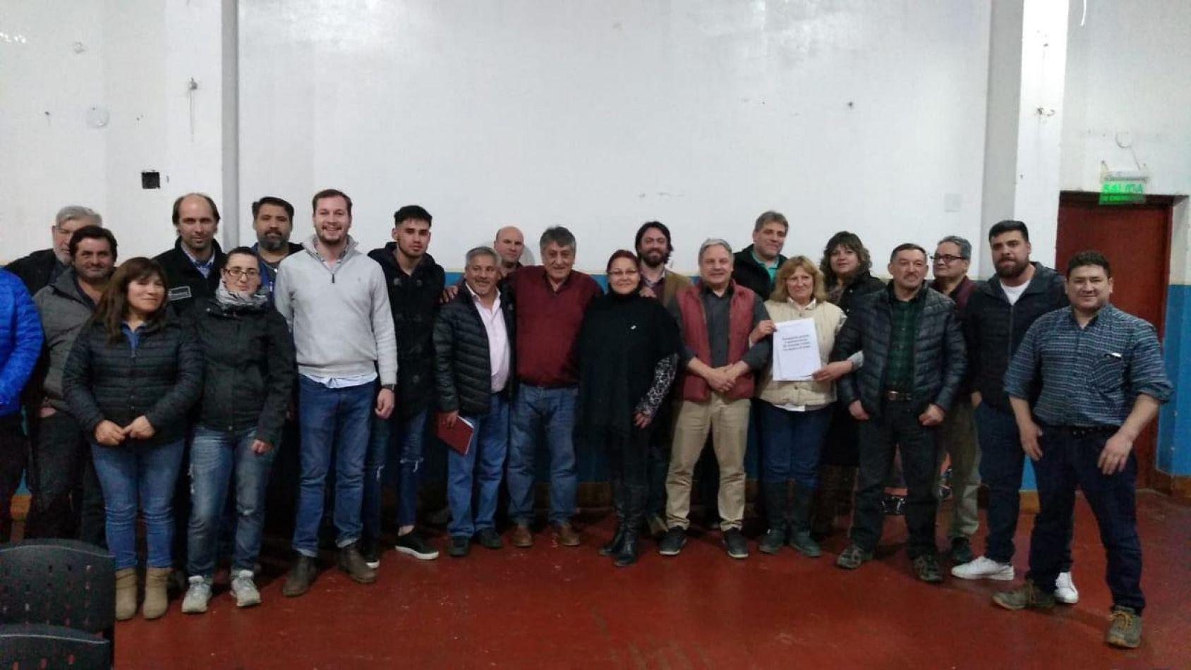 Buscan una solución concreta para el sector maderero