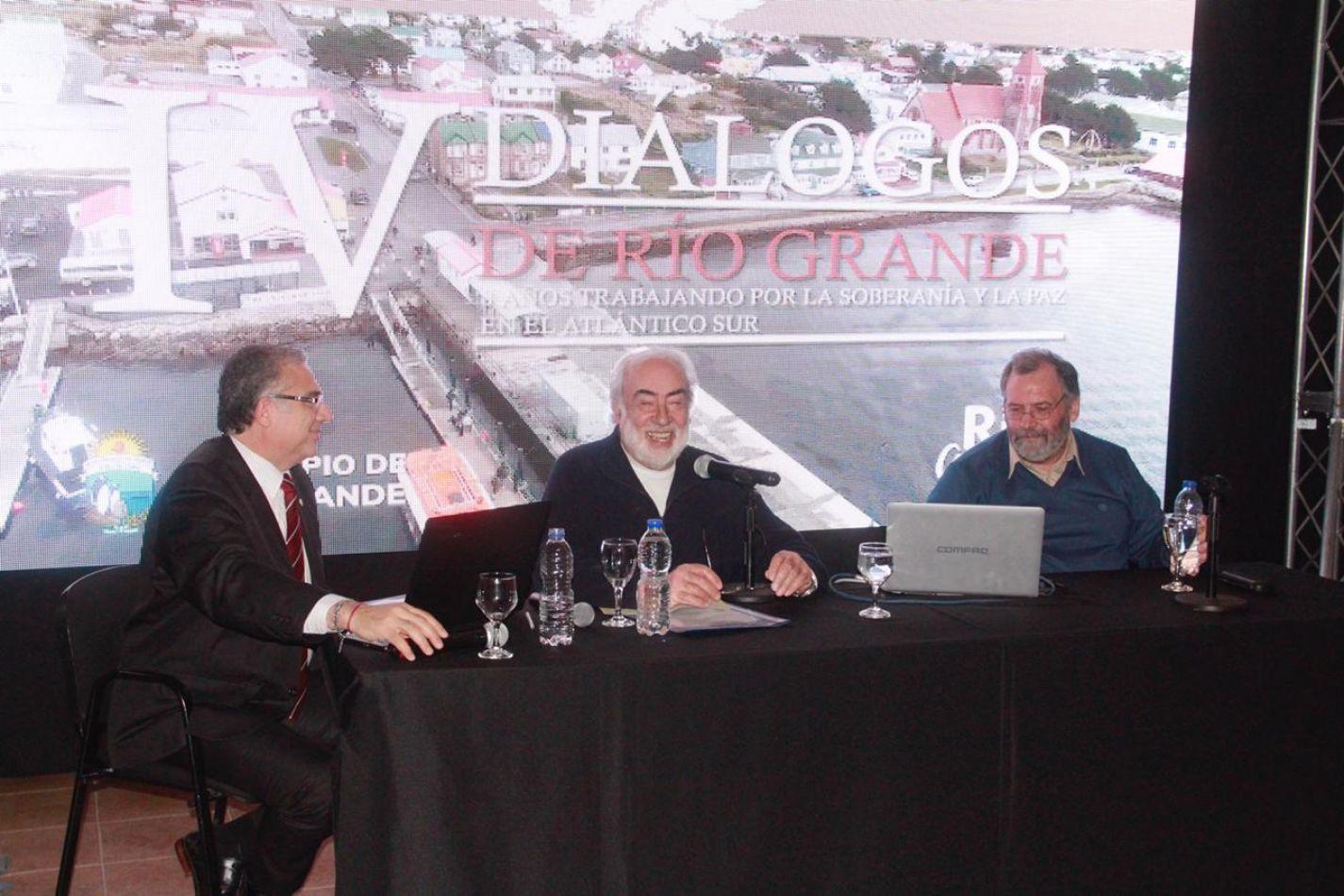 Eduadro Barcesat criticó el texto de la Ley Malvinas