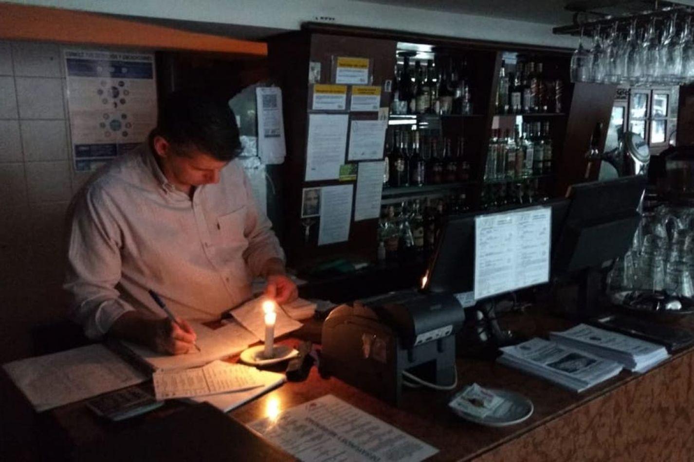 Grave: Una falla masiva causó un apagón y dejó sin luz a toda la Argentina
