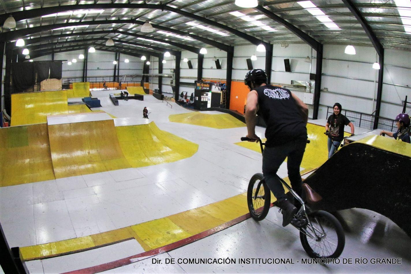 Se realizaron tareas de mantenimiento y pintura en el Skate & Bike Park