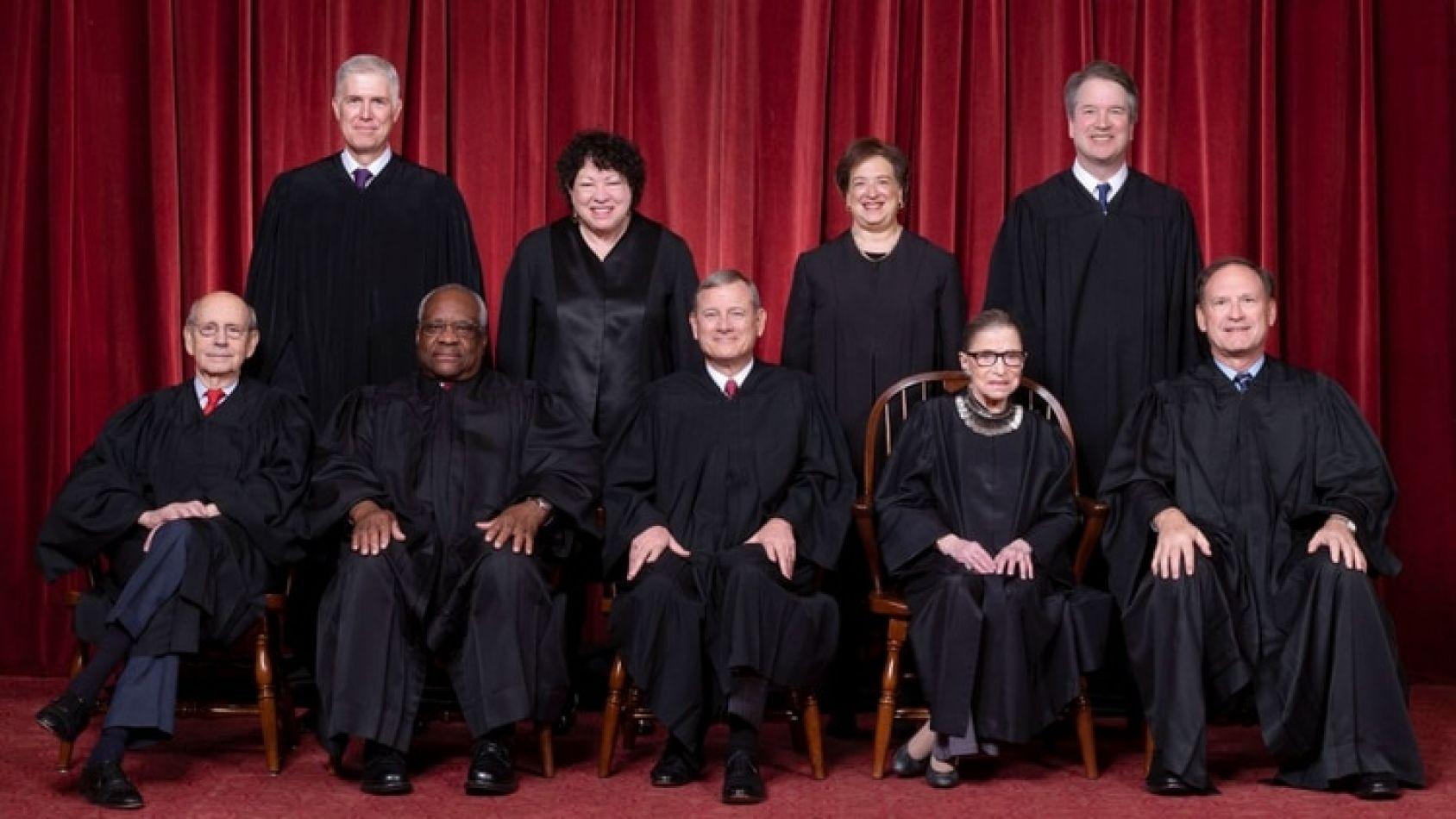 Los nueve jueces de la Corte de EEUU (Fred Schilling, Collection of the Supreme Court of the United States)