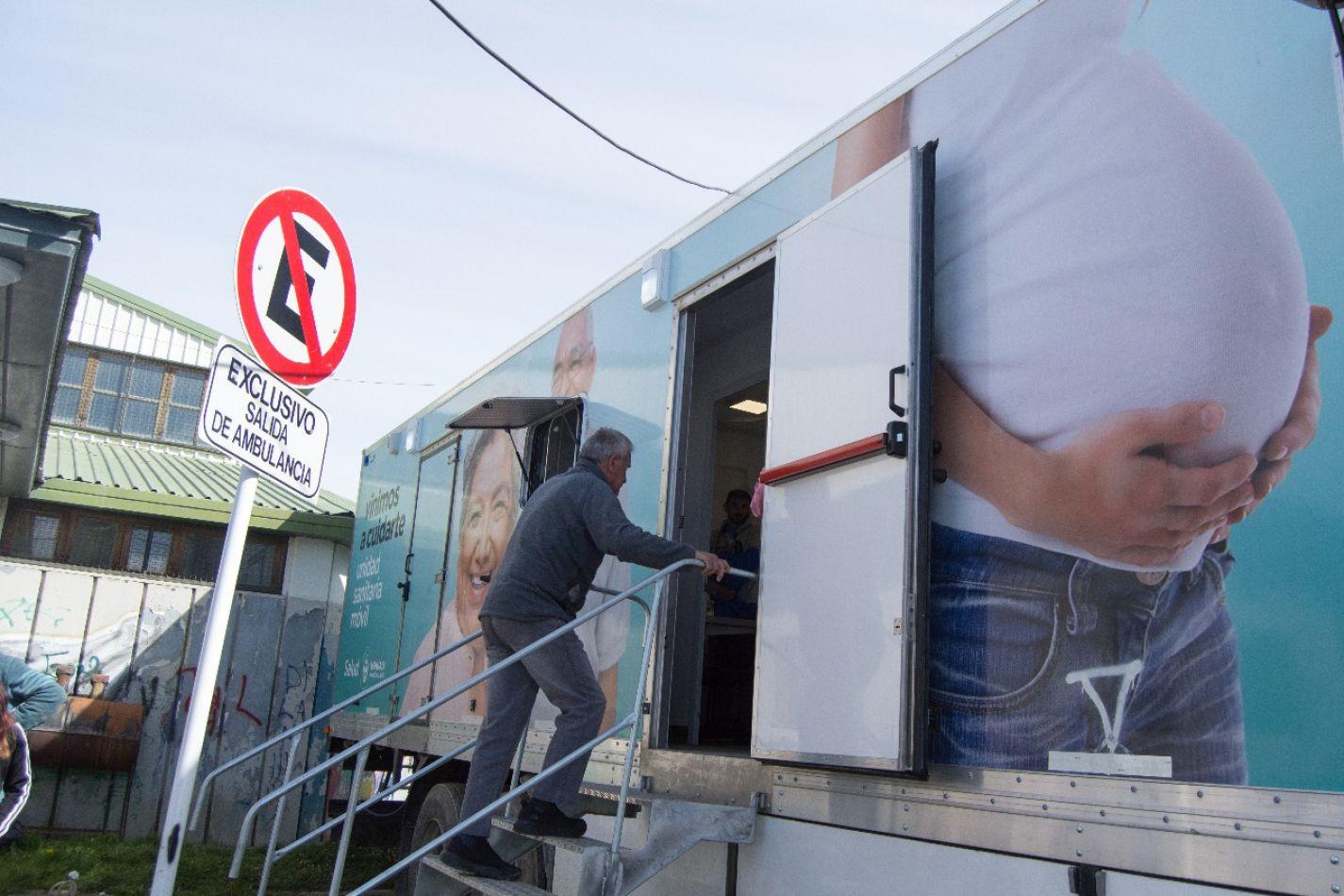 Camión sanitario móvil de la Municipalidad de Ushuaia