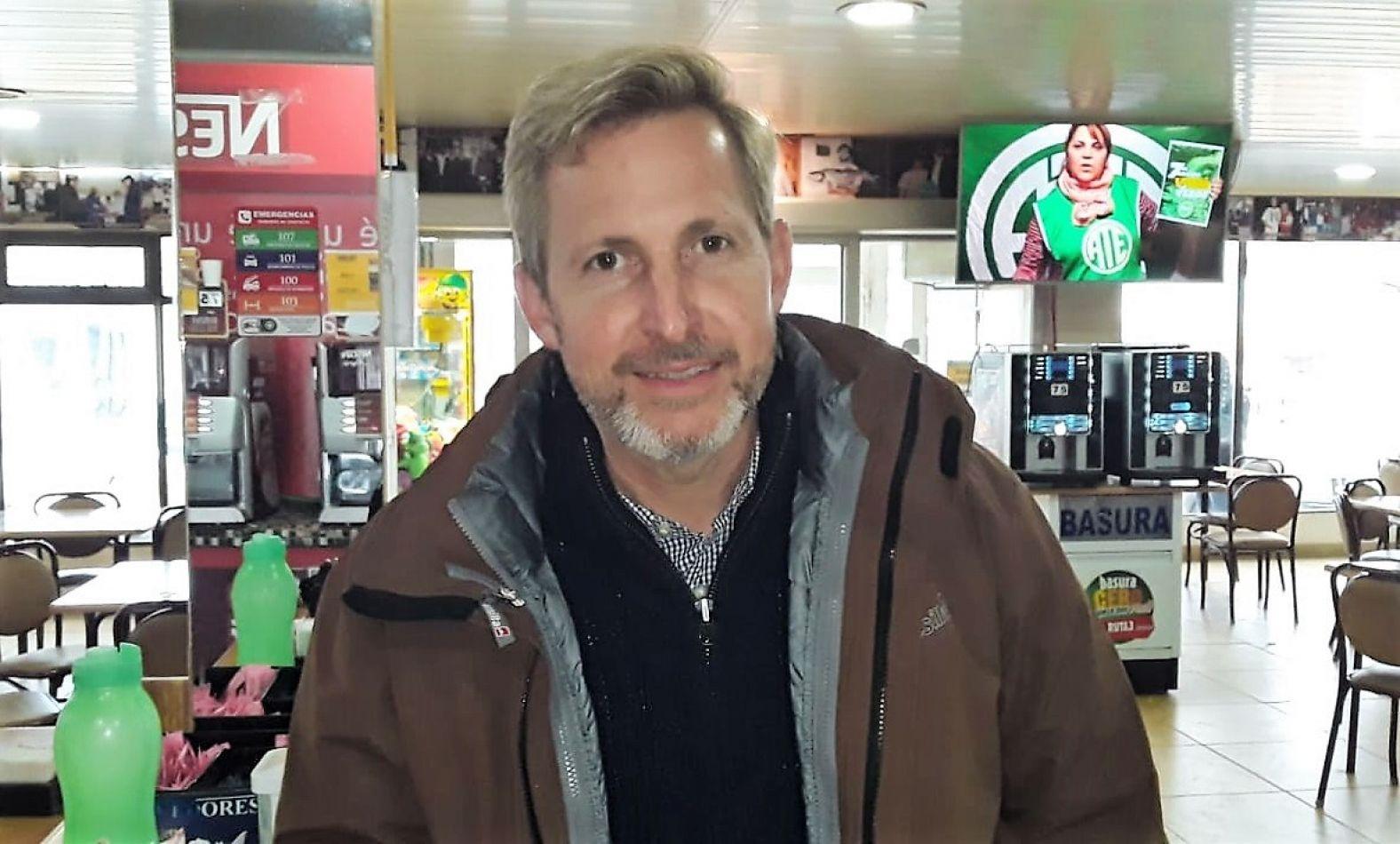 El ministro Frigerio, en la panadería de Tolhuin.