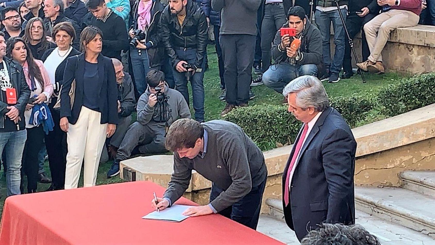 Gustavo Melella y Alberto Fernández firmaron 6 puntos clave para el futuro de Tierra del Fuego