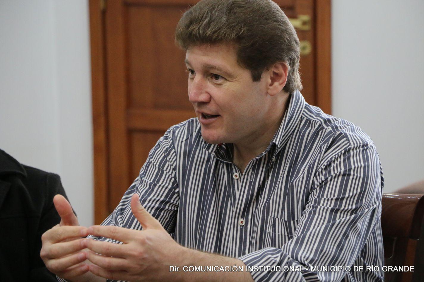 El intendente de la Ciudad de Río Grande, Prof. Gustavo Melella,