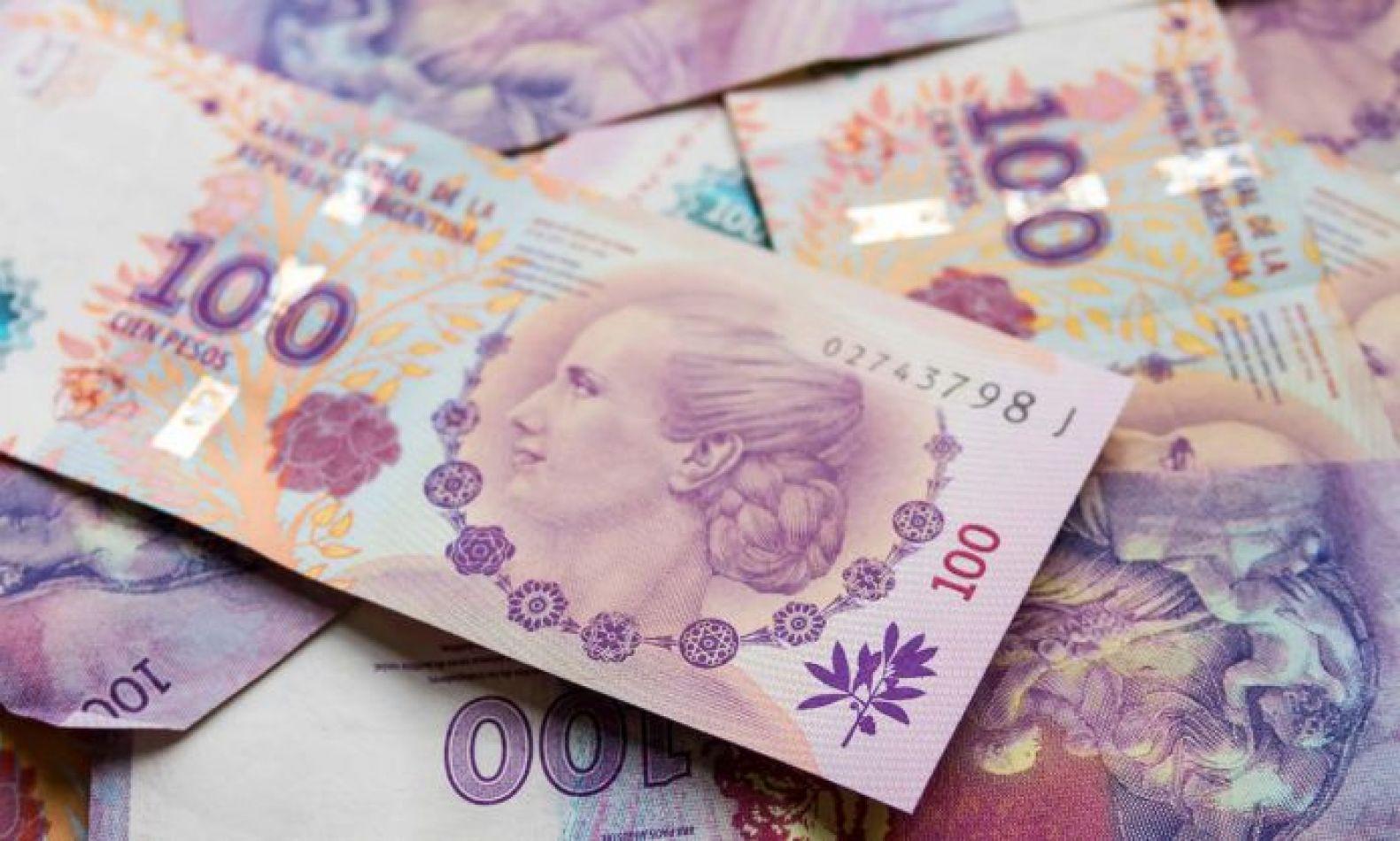El sueldo de los argentinos pasó del más alto al más bajo de la región