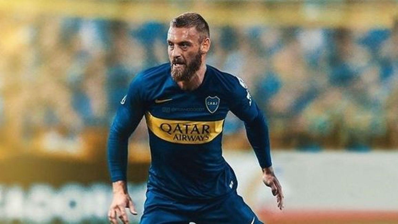 Boca, con el debut de De Rossi, juega contra Almagro