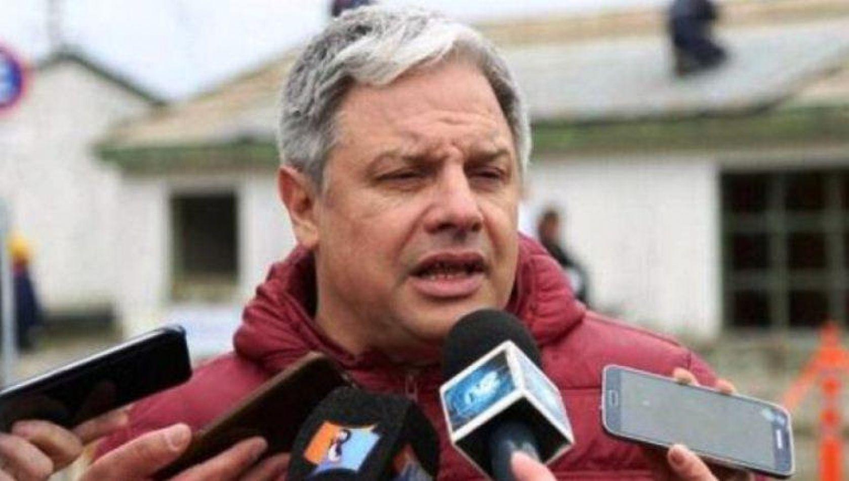 Mministro de Obras y Servicios Públicos Luis Vázquez