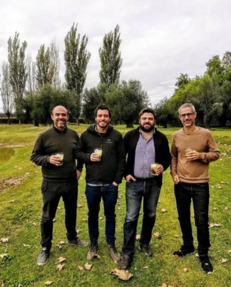 Cuatro argentinos crearon un vermú que los puso en la tapa de la revista Time