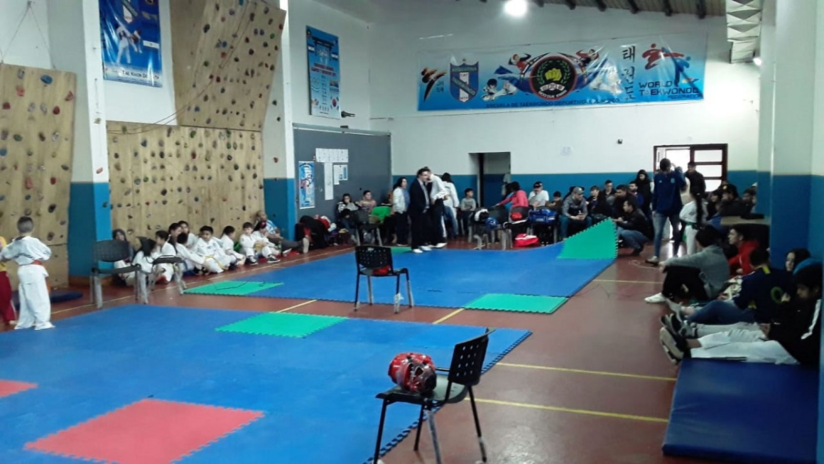 En TOlhuin se desarrolló una instancia de Tawkwondo. (Foto: Leonardo Di Benedetto).