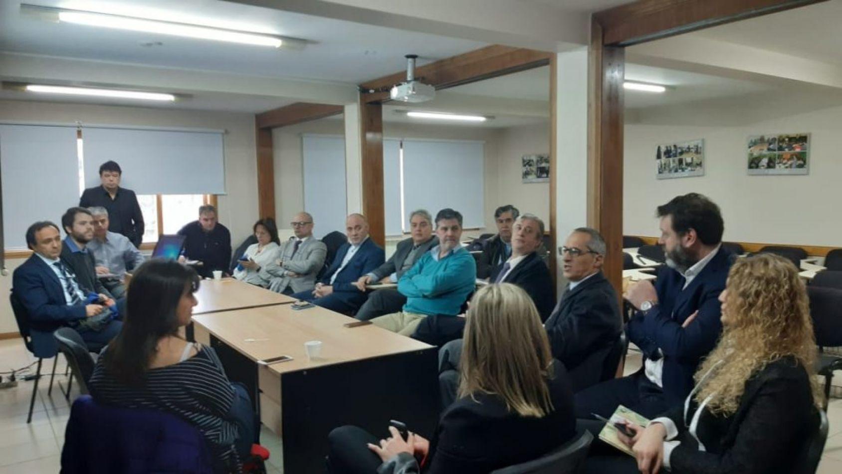 Reunión que se desarrolló en la Escuela Judicial