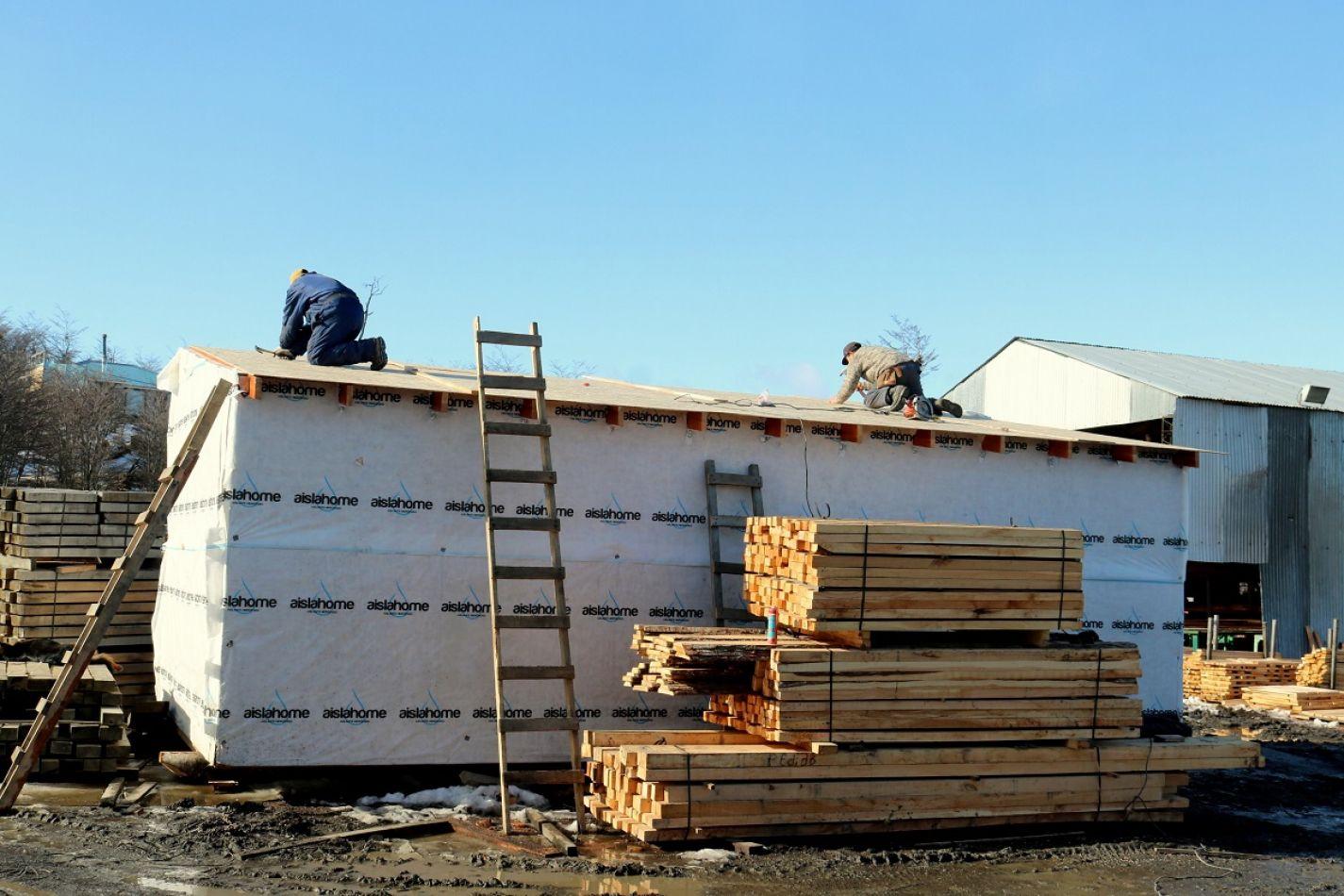 Verificaron el avance de la construcción de las viviendas de lenga