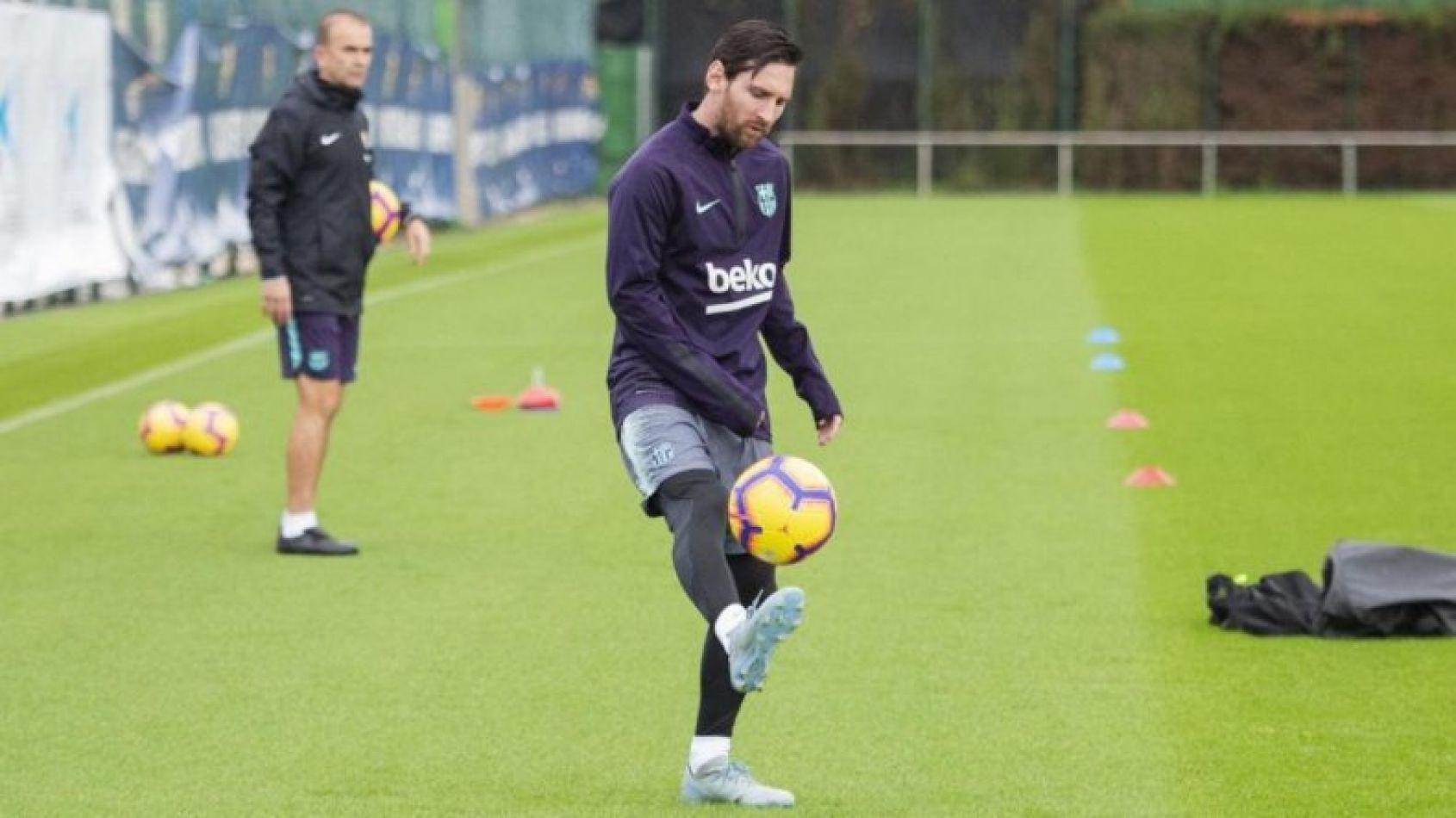 Messi ya tiene el alta y podría jugar este martes