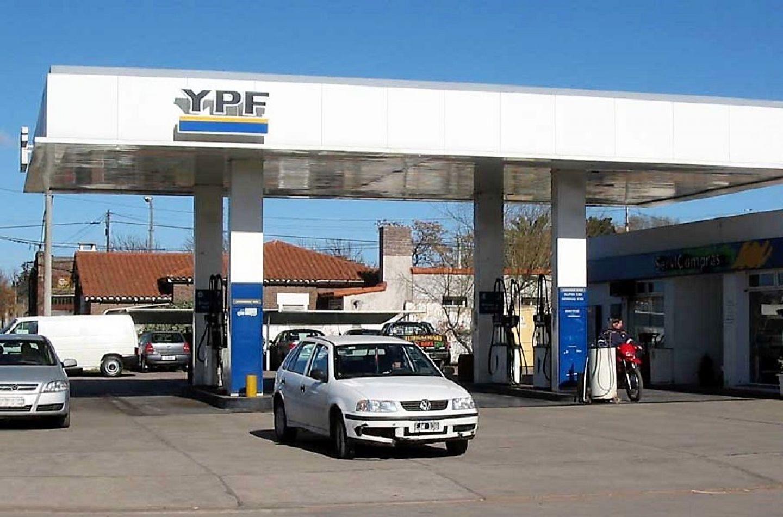 La nafta fueguina cuesta $38,39 por litro