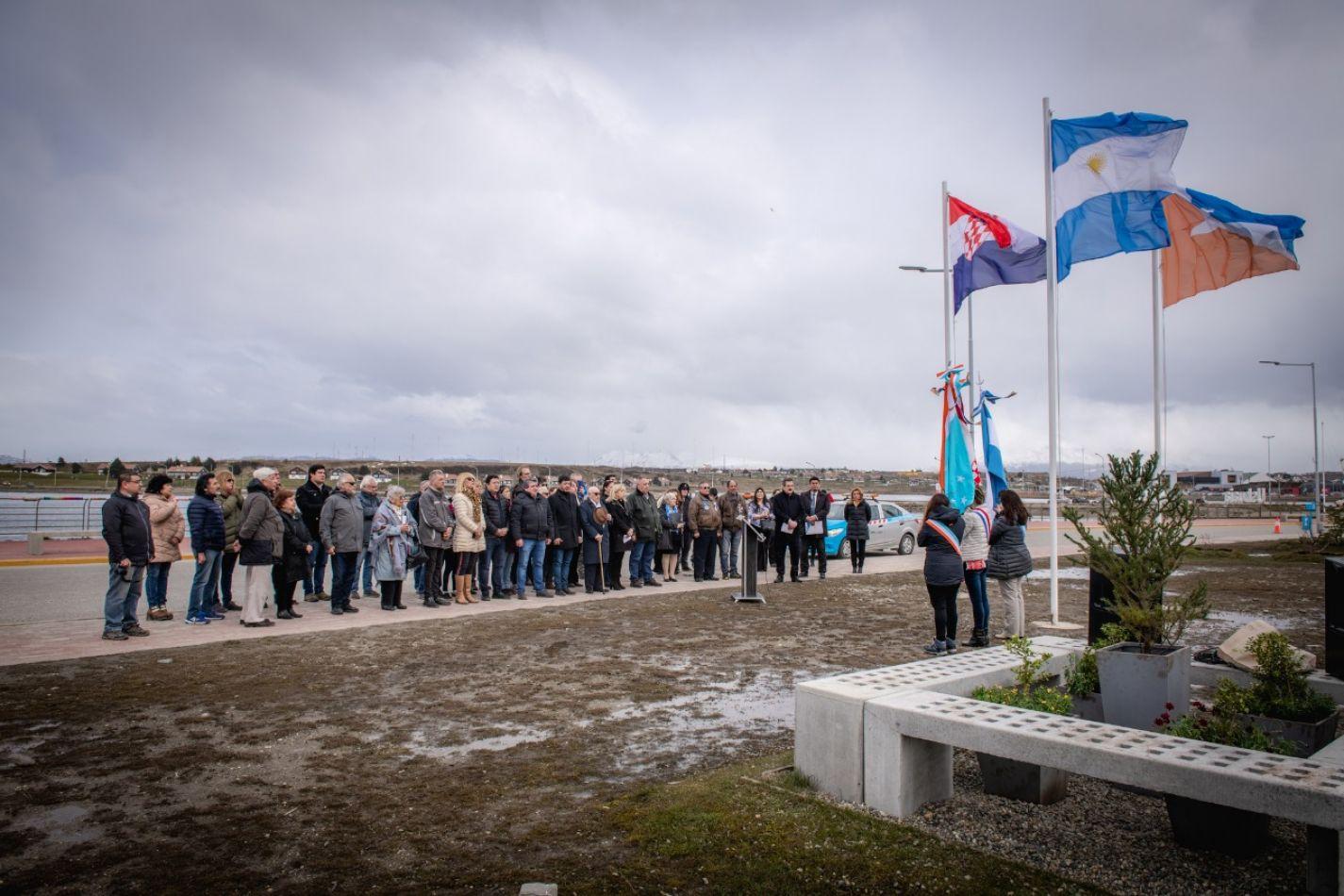 Quedó inaugurada la plaza Croacia