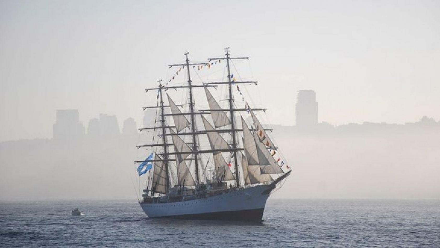 El buque escuela argentino arribará a Londres el viernes próximo y podrá ser visitado por el público.