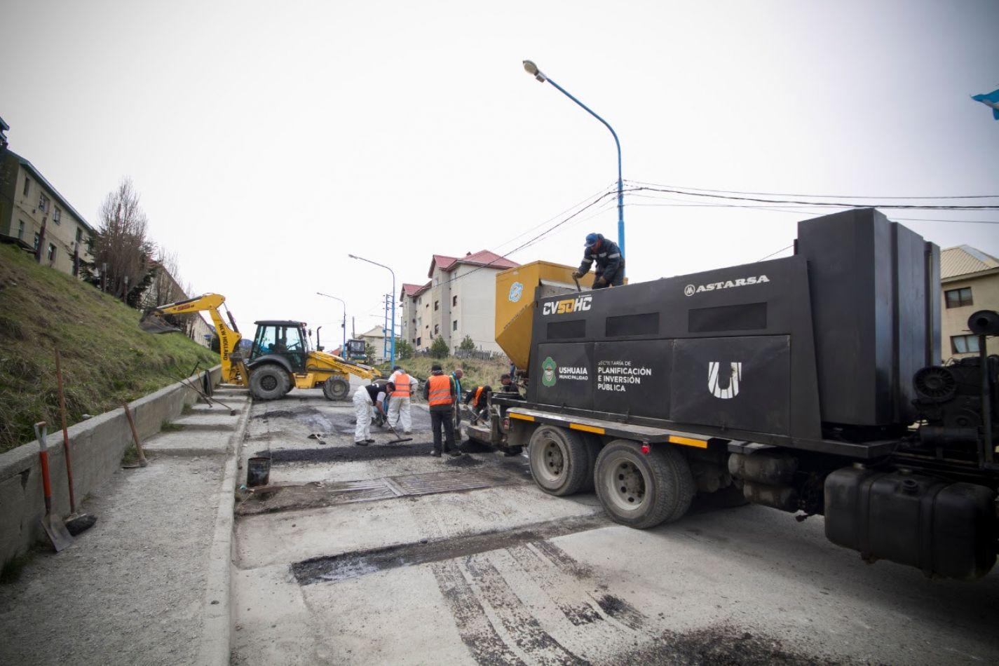 Bacheo de calles en la ciudad de Ushuaia