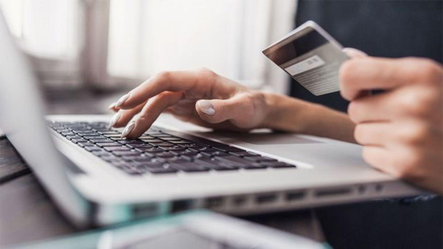 Plataformas online ya no aceptan pesos argentinos para el pago de servicios