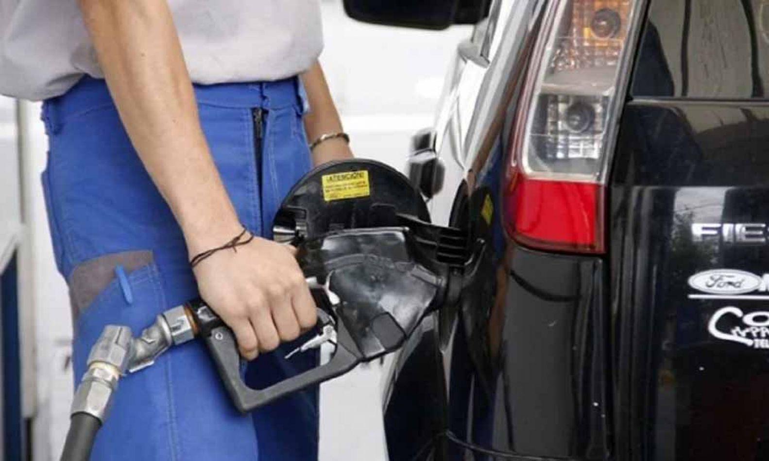 El precio de los combustibles aumentará 5%