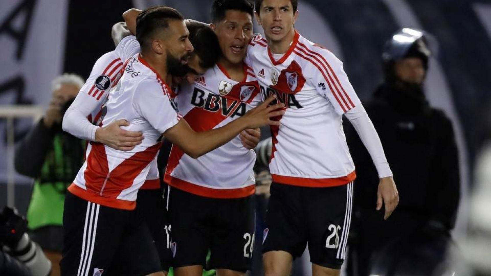 River lo liquidó a Estudiantes de Caseros en Córdoba y está en una nueva final