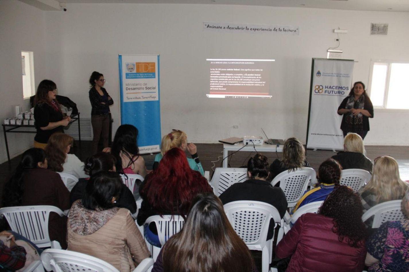Se brindó charla sobre salud sexual y reproductiva para mujeres