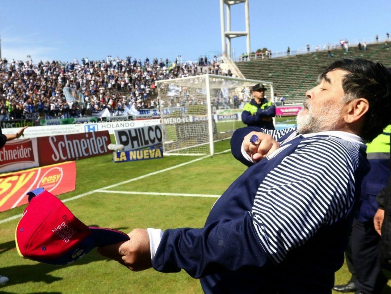 Maradona presentó su renuncia en Gimnasia La Plata
