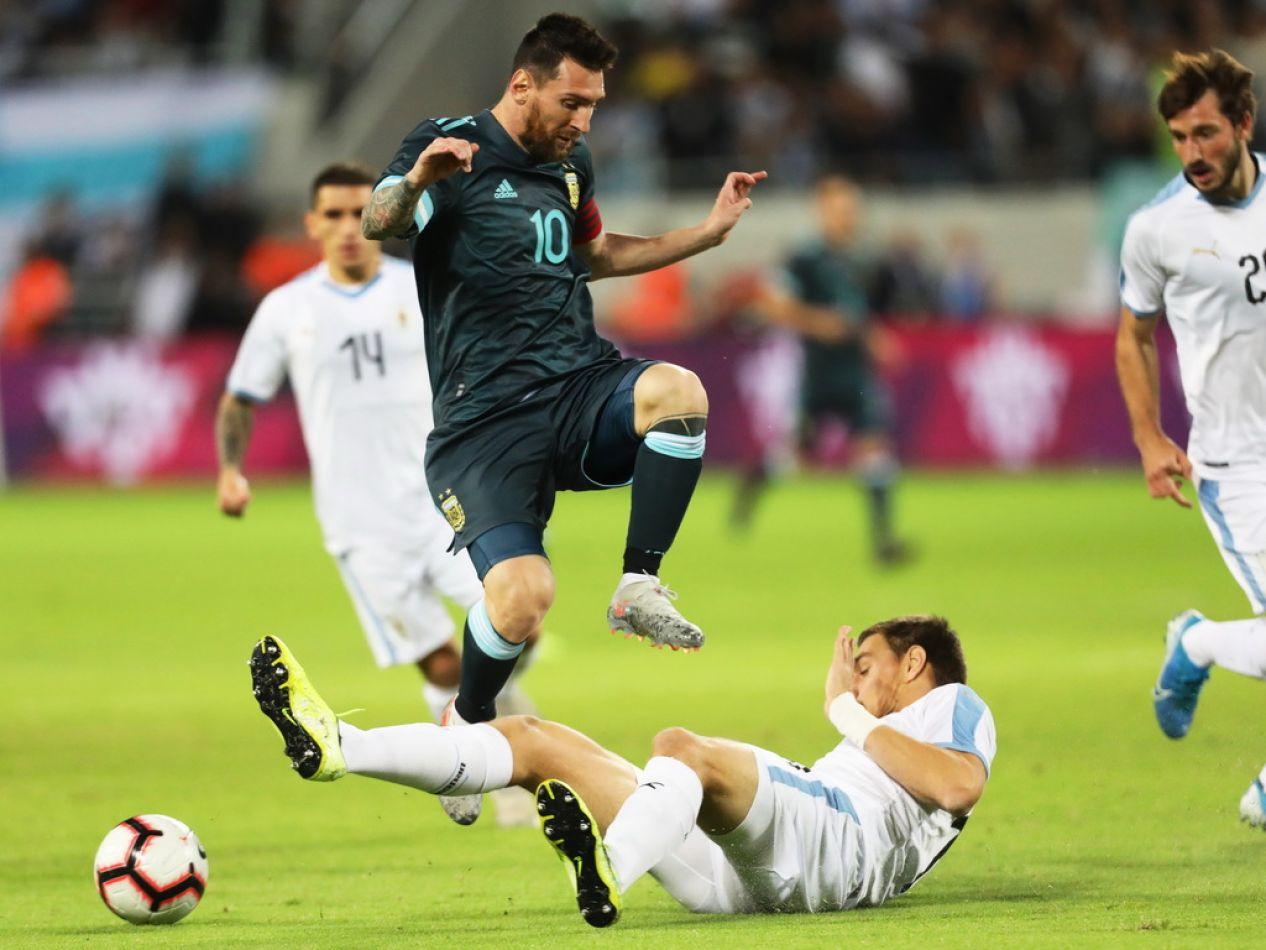 Argentina empató sobre el final ante Uruguay