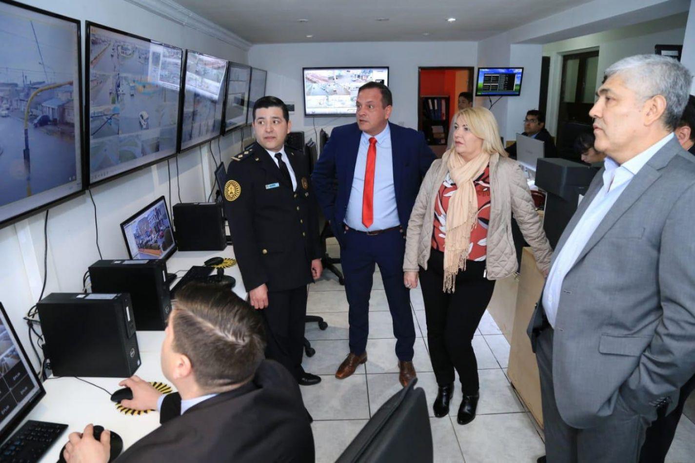 Funcionarios recorrieron las nuevas instalaciones del Centro de Monitoreo y Vigilancia