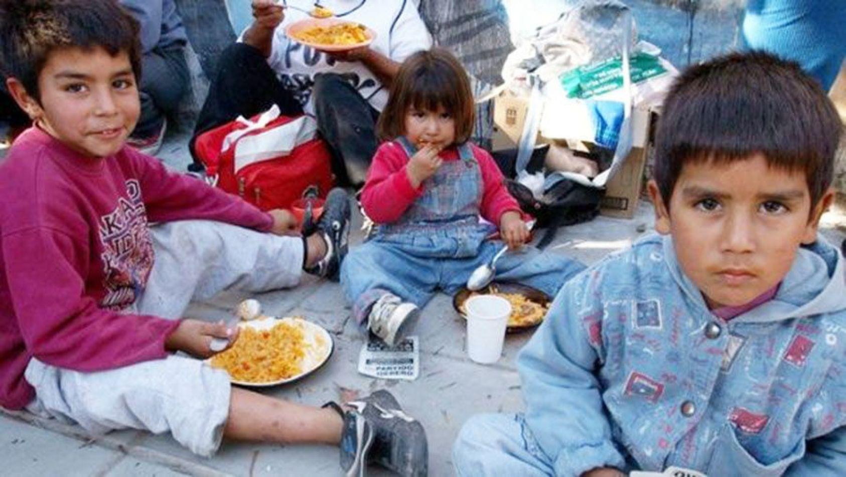 Lapidario informe sobre la niñez en Argentina y planes fracasados de 30 años