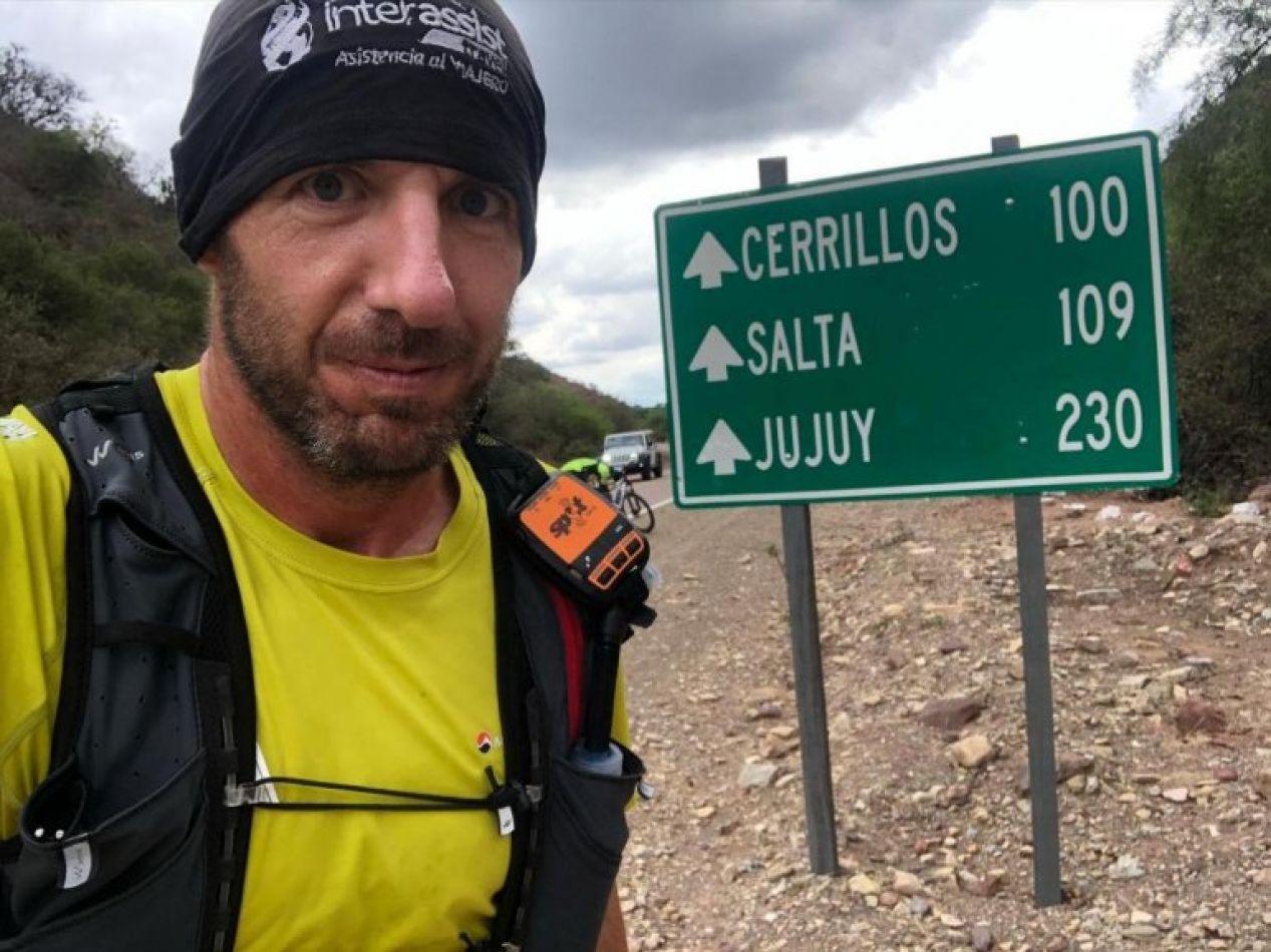 """Juan Pablo """"Niama"""" Savonitti es un ultrarunner argentino de 36 años que el 1ero de enero inició una travesía que quedará en la memoria de muchos."""