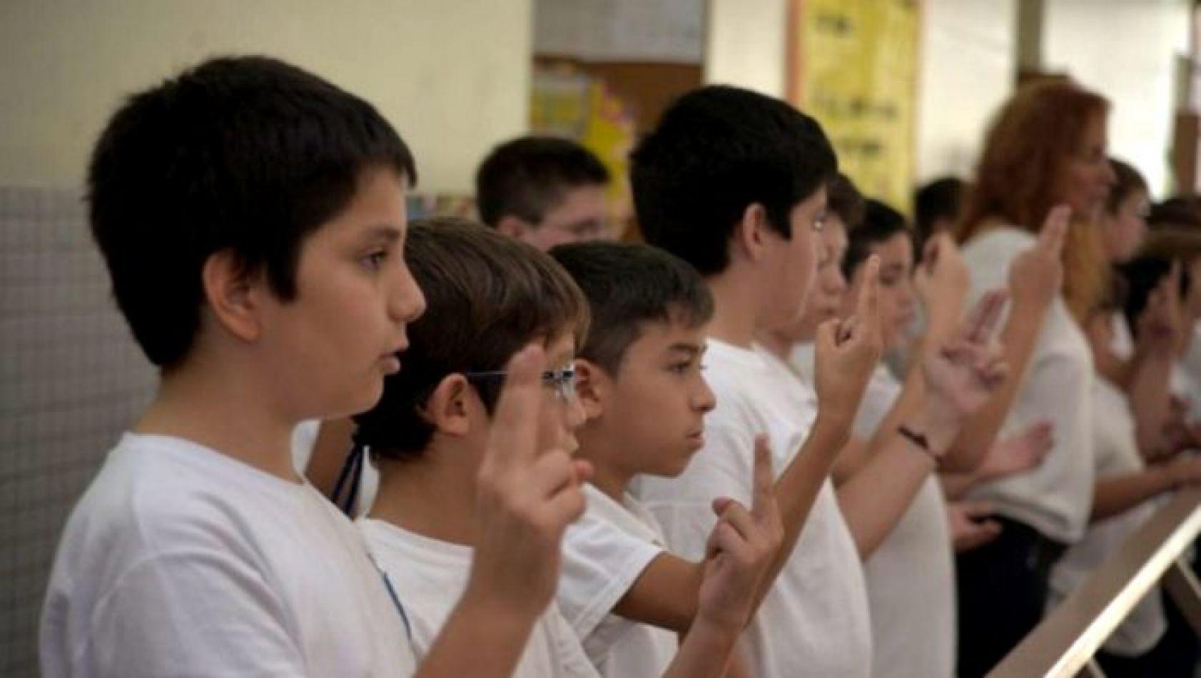 Argentina hará de la lengua de señas una materia obligatoria