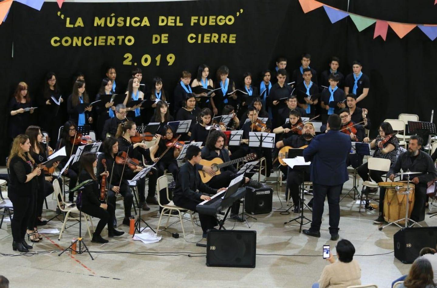 """Bertone participó del concierto de cierre de las orquestas """"Kayen"""" y """"La Música Fuego"""""""