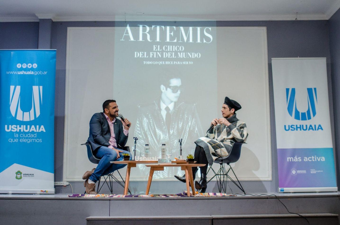 Vuoto acompañó la presentación del libro de Santiago Artemis