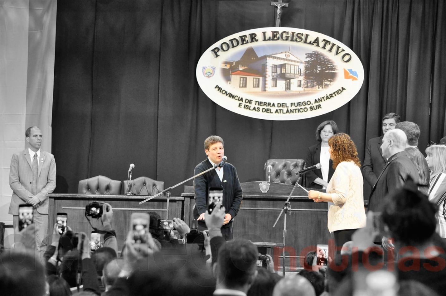 Gobernador de la Provincia de Tierra del Fuego AIAS, Gustavo Melella junto a la Vicegobernadora Mónica Urquiza