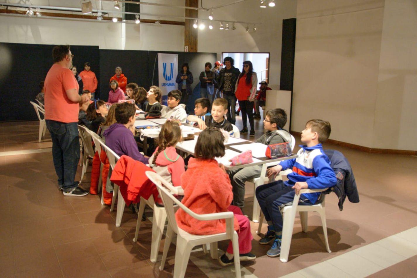 Gustavo Sala en Ushuaia brindó talleres de Humor Gráfico