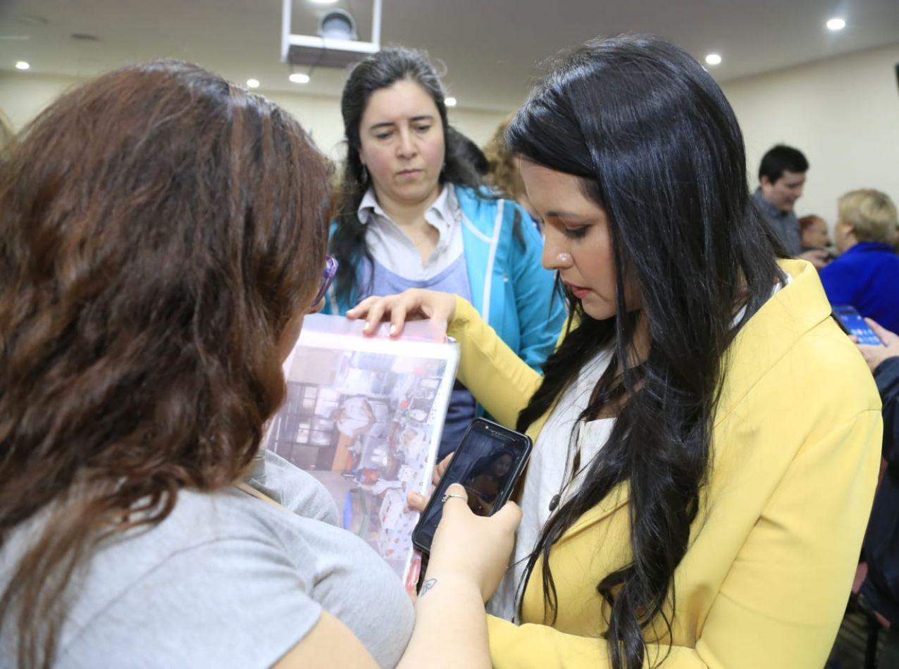 """Programa Municipal """"Mujeres Emprendedoras"""": Requisitos para el empadronamiento."""