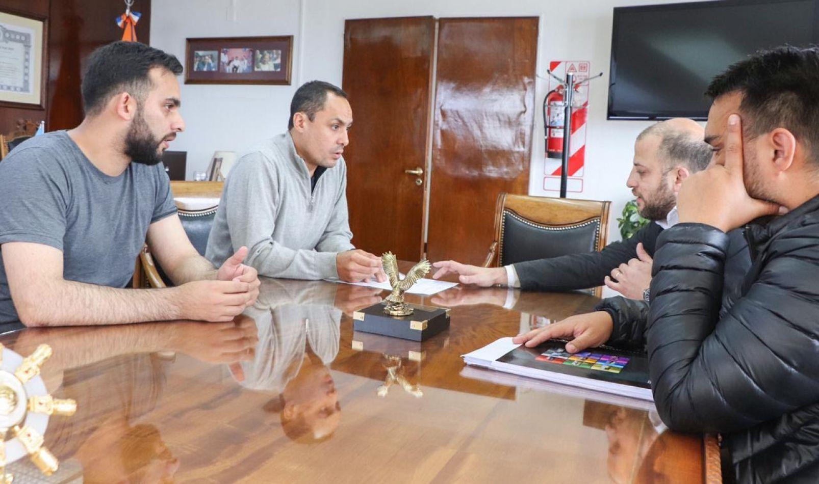 """""""Los clubes son la base del deporte y vamos a colaborar con su conformación legal y desarrollo"""""""