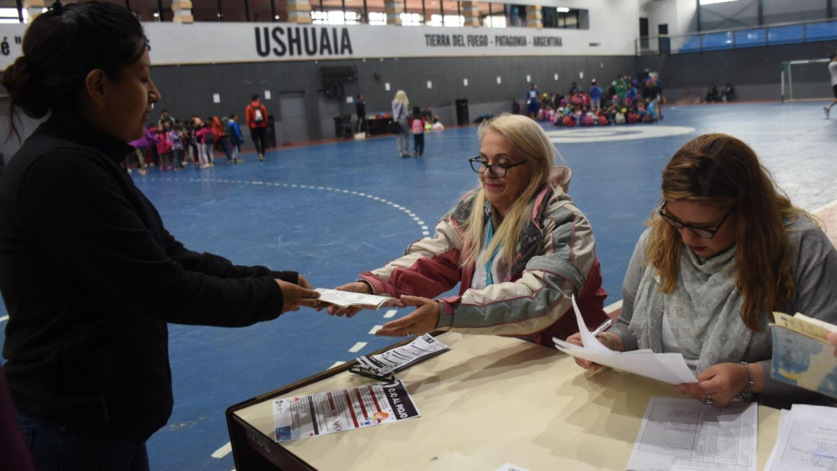Políticas Sanitarias del Municipio de Ushuaia controla la vacunación de niños